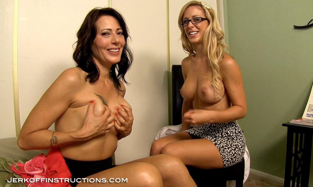 hot girl fingering herself naked gif
